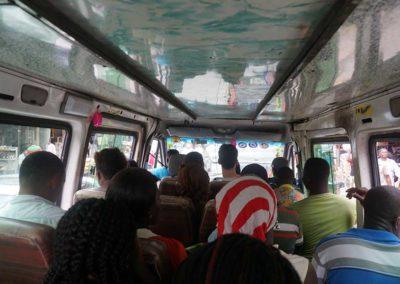ein-transporter-als-oeffentlicher-bus